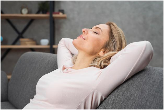 Natural ways to manage hot flash symptoms