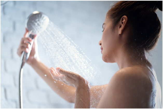 hydrate your skin after shower