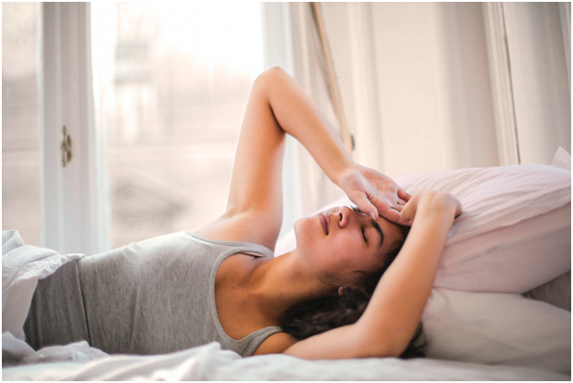 difference between hot flash or fever